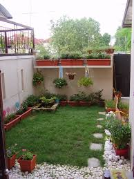 cool decorating ideas for modern home small backyard design landscaping picture featuring fascinating green lawns and astonishing cool home office decorating