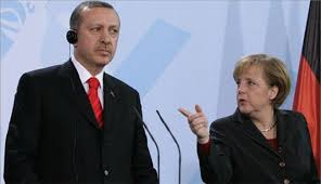 فرانكفورت - أنصار الأكراد يحتجون ضد إردوغان