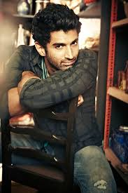 busy aditya roy kapur unable to watch aashiqui 2 with female fan on films second anniversary aashiqui 2 beats iron man