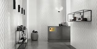 Showroom with 3D Kite White <b>3D Wall</b> Tiles – <b>Atlas Concorde</b>
