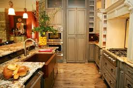 visible wall in kitchen brighten dark room