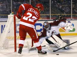 avalanche alumni burn the red wings in a 5 2 romp at coors field