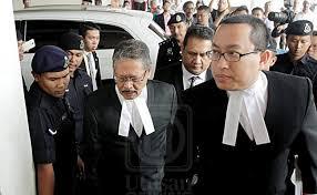 Image result for apandi dan lim guan eng di mahkamah semalam