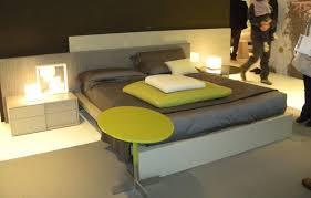 Camera Da Letto Grigio Bianco : Camera da letto con parete color tortora le pareti sono