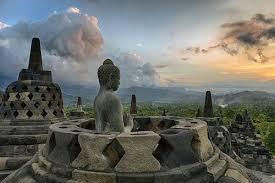 Resultado de imagen de templo borobudur