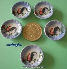 dollhouse miniature 5 round chicken motif flowery porcelain plat bl 112 dollhouse miniature