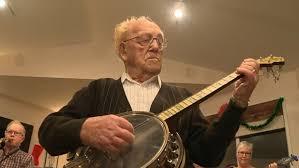 98-year-old Manitoba banjo player says he