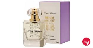 <b>Pour</b> Femme <b>Les Contes</b> perfume - a fragrance for women