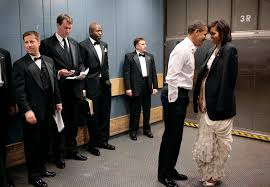 a freight elevator in washingtons convention center inaugural night 2009 pete souza the white house p amazoncom white house oval office