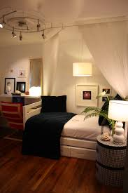 Bedroom Cool Decorating A Small Bedroom With A Queen Bed Home
