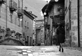 Risultati immagini per donna vecchia BIANCO E NERO