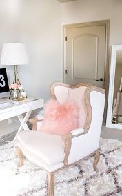 1000 ideas about pink home offices on pinterest home office offices and home office desks chic vintage home office desk cute