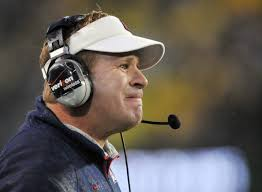 Head coach Mike Stoops of the Arizona Wildcats yells out to his team in the first quarter of the game against the Oregon Ducks at Autzen ... - Mike%2BStoops%2BArizona%2Bv%2BOregon%2BTiCR5xp6D3gl