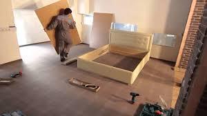 Видеоинструкция по сборке кровати - YouTube