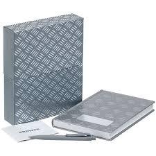 <b>Набор Hard Work</b>: ежедневник и ручка, цена — 1799.00 рублей ...