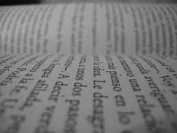 Resultado de imagen de letras en blanco y negro