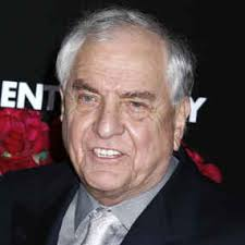 Veteran moviemaker GARRY MARSHALL is set to become Hollywood's holiday man ... - 157522_1