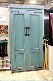 this is so cool awesome murphy bed idea i wonder if we could make this love these murphy beds would be perfect in an office or a craft room awesome murphy bed office