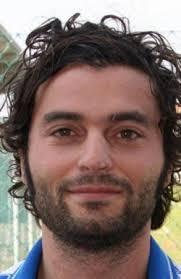 Roberto Zappulla, dopo aver festeggiato quota 200 reti in carriera a Viadana, torna nel calcio reggiano: nella Castelnovese di mister Liperoti, ... - image