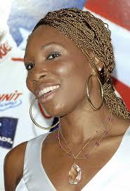 Abaca; Cheveux afro : les tresses blondes de <b>Venus Williams</b> Cheveux afro <b>...</b> - Cheveux-afro-les-tresses-blondes-de-Venus-Williams_portrait_w674