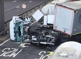 M25 closed by jackknifed lorry near J1B for Queen Elizabeth II ...