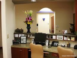cubbies desks and receptionist desk on pinterest chic front desk office interior design ideas