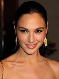 gal gadot is wonder w part archive the superherohype gal gadot is wonder w part 4 archive the superherohype forums