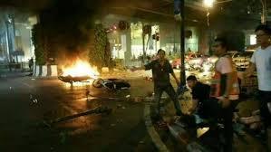 Imagini pentru paris bataclan explozii