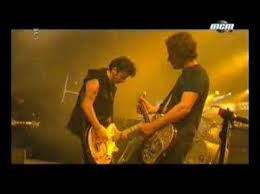 <b>The Cure</b> - The <b>Kiss</b> live - YouTube