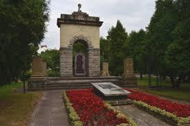 Znalezione obrazy dla zapytania Pomniki Nowy sacz zdjecia