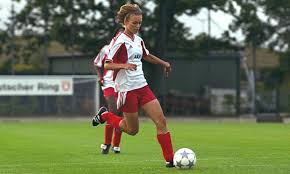 bend it like beckham essaybend it like beckham keir movie photo shared by rochell   fans     bend