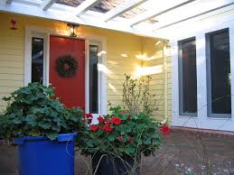 california curb appeal yellow house red door farmhouse feng shui appealing pictures feng shui