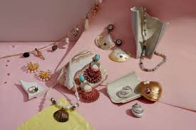 <b>Shell Jewelry</b> Is This Summer's <b>Hottest</b> Fashion Accessory ...