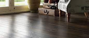 sàn gỗ chiu liu chịu nước khá tốt