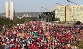 Resultado de imagem para manifestacao brasilia contra impeachment