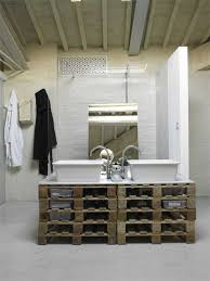 10 great ideas to decorate your bathroom with pallets 3 bathroom furniture pallets