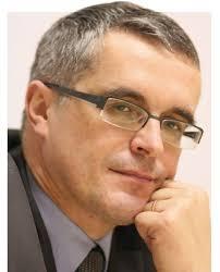 访欧盟委员会健康与消费者总司公共健康与风险评价司司长Andrzej Rys. 文/本刊特约记者戴廉. 对于中国的医疗体制而言,欧洲是一个长久以来并未得到足够重视的榜样。 - c68501934_12dca1ab679g213