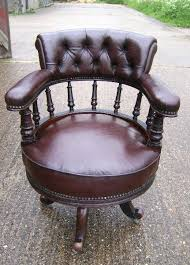 ste office on pinterest leather office chairs chesterfield and green lamp chesterfield presidents leather office chair amazoncouk