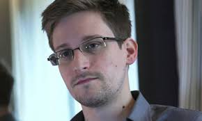 20 May Edward Snowden, an employee of defence contractor Booz Allen Hamilton at the National Security Agency, arrives in Hong Kong from Hawaii. - Edward-Snowden-008