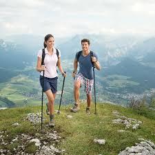 <b>Скандинавская</b> ходьба: какая польза, есть ли вред и как ...