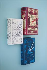 paper book decor
