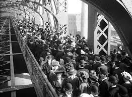 「1909, manhattan bridge opnenning ceremony」の画像検索結果
