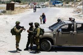 تل ابيب - إسرائيل توقف تصاريح دخول فلسطينيين بعد الهجوم على مُجمع
