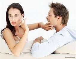 Страх и неумение доверять - частые причины ревности