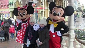 Vlog personnages à <b>Disneyland</b> Paris Mickey, <b>Minnie</b>... - YouTube