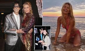 Paulina Porizkova, 53, looks ageless in bikini snap following split ...