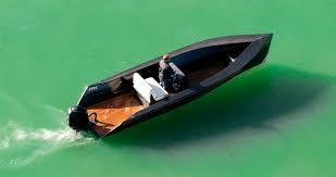 open boat essay topics the open boat critical evaluation essay enotescom