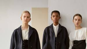<b>Jil Sander</b> Resort 2019 Milan Collection - Vogue