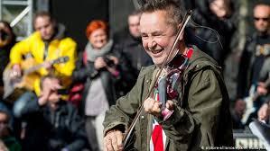 Punk violinist <b>Nigel Kennedy</b> brings Jimi Hendrix project to Germany ...