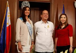 president aquino receives 2012 miss tourism international and miss exchanges pleasantries ms tourism international 2012 winner rizzini alexis gomez and mutya ng pilipinas inc president jacqueline tan during the